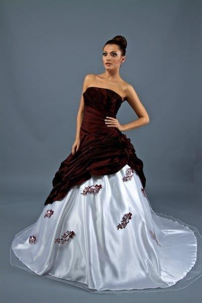 Das Richtige Brautkleid Fur Die Hochzeit Shopping Suche