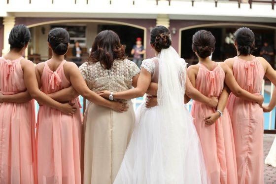 Kleider für Brautmutter und Blumenmädchen